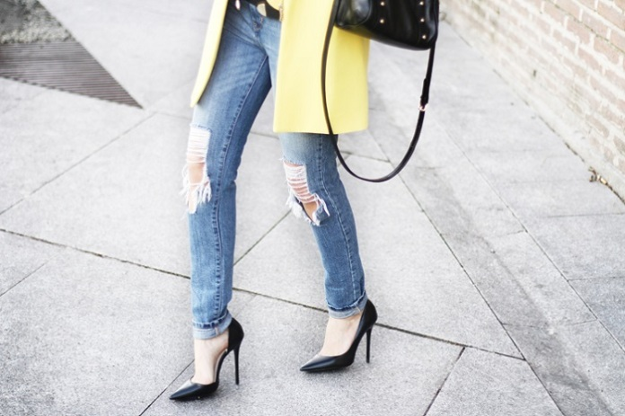 yellow-coat-street-style-7_zps67c4e412.jpg~original